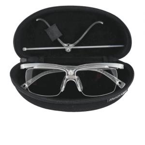 Clipoptic®: une paire de lunettes de vue légère et incassable convertible en insert ou clip optique universel pour adapter tous les masques à la vue.